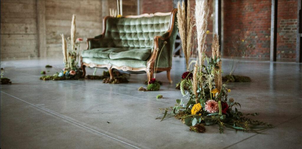 fauteil-vintage-bouquet-fleurs